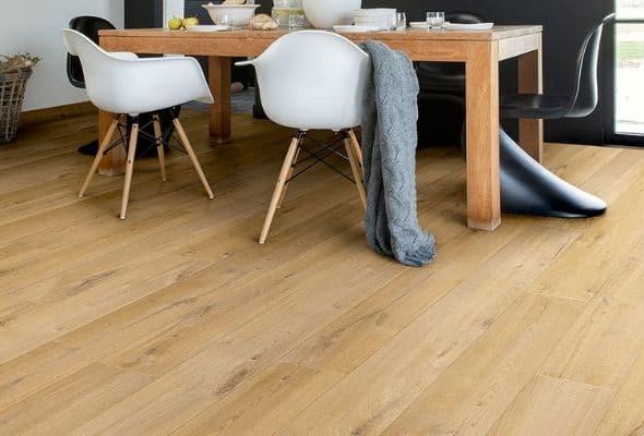 hướng dẫn cách vệ sinh sàn nhựa giả gỗ luôn đẹp như mới