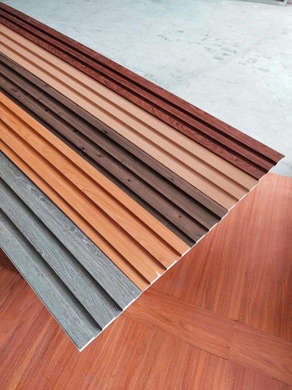 trần nhựa giả gỗ giá rẻ tấm composite nhựa ốp trần